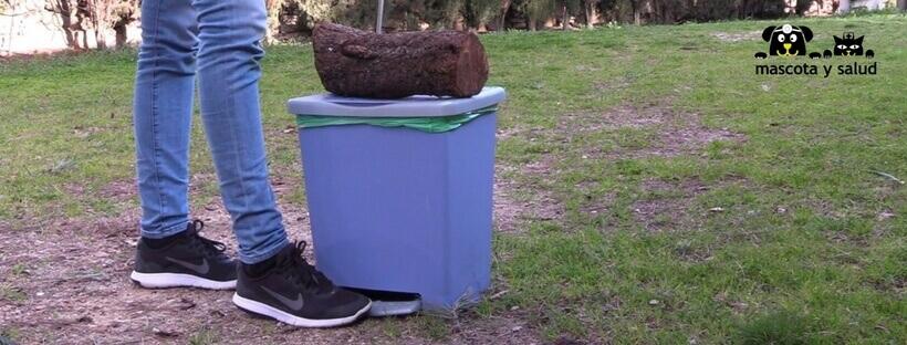 Bloquear cubo de basura como refuerzo positivo